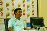 Gay kho khan cho Ha Noi, HLV Tran Minh Chien giau bai cho tran luot ve