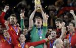 Iker Casillas chinh thuc treo gang, thong bao tuong lai quan trong