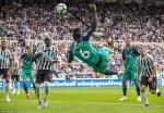 Du am Newcastle 1-2 Tottenham: Chien thang cua hang thu