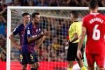 HLV Barca lý giải hành vi đánh cùi chỏ của học trò