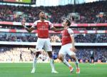Aubameyang khen ngoi mot cau thu Arsenal sau tran thang Everton