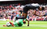 Cech len tieng sau tran thang cua Arsenal truoc Everton
