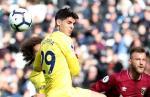"Huyền thoại Chelsea kêu gọi HLV Sarri ""trảm"" Morata"