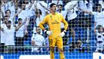 Courtois bi loai khoi doi hinh Real Madrid du tran Granada