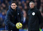 Lac quan teu voi da sa sut cua Chelsea, Lampard hung chiu chi trich