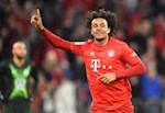 Bayern Munich 2-0 Wolfsburg: Hum xam lai thoat hiem nho than tai 18 tuoi
