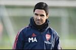 Moi dan dat Arsenal, Mikel Arteta da gap chuyen kho xu