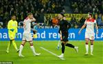 Dortmund 5-0 Dusseldorf: Reus vs Sancho ruc sang, Dortmund bay vao Top 3
