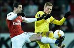 Cech thua nhan Arsenal bat luc trong ghi ban truoc BATE