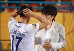 ANH: Bac si Choi truc tiep kiem tra su hoi phuc cua Van Thanh