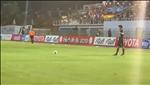 VIDEO: Xuan Truong dan xep da phat thong minh giup dong doi ghi ban o Buriram