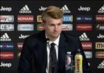 VIDEO: Buoi hop bao dau tien cua Matthijs De Ligt o Juventus