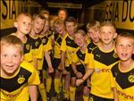 Ben trong hoc vien Borussia Dortmund: Noi nhung tai nang duoc hun duc