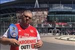 VIDEO: CDV Arsenal phan no doi duoi chu tich Kroenke