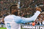 Mario Balotelli: Di ve dau de thay mat troi?