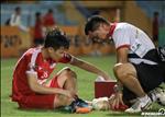 VIDEO: Tuyen thu U23 Viet Nam chan thuong phai nho bac si cong vao phong thay do