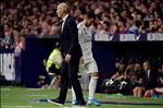 Real hau derby Madrid: Zidane va ranh gioi giua cong, toi