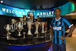 Chinh thuc: Ashley Young chia tay MU, gia nhap Inter Milan