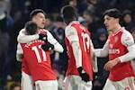 Huyen thoai Arsenal da xoay MU vi bo qua co hoi chieu mo Martinelli