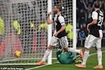 Juventus 3-1 Roma: Ronaldo toa sang dua Lao ba vao ban ket Coppa Italia