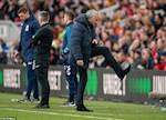 Jose Mourinho con loay hoay voi hang phong ngu Tottenham den bao gio?