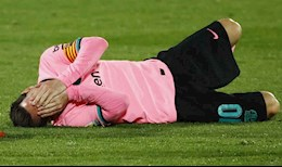 CDV Barca tuc gian khi Messi bi pham loi tho bao