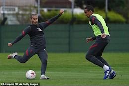 Liverpool mat 2 tru cot o dai chien Ajax
