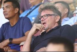 HLV Philippe Troussier lo lắng với phong độ của các cầu thủ U19 Việt Nam