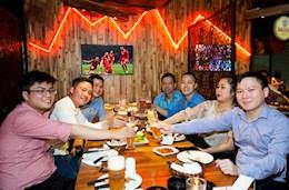 Next Media mang không khí bóng đá Đức tới 4 cơ sở của Vuvuzela tại Hà Nội