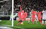 Amiens 4-4 PSG: Hoa dien ro, PSG suyt tao ra man nguoc dong vi dai