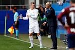 Toni Kroos va HLV Zidane xuat hien mau thuan khong the giai quyet