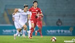 ANH: Hang cong HAGL gui tin hieu nguy hiem den moi hang phong ngu o V-League 2020