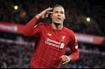 """""""Liverpool can giu chan Van Dijk cang nhanh cang tot"""""""
