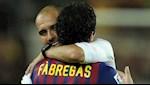 Cesc Fabregas phu phang voi HLV Pep Guardiola