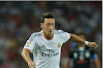 Mesut Ozil tung tu choi Barca va MU de khoac ao Real Madrid