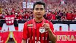 Messi Thai lap cot moc dang nho tai J-League