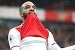 """Arsenal trung phat ngoi sao than nhien """"chill"""" bang bong cuoi"""