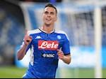 Juventus nham sat thu cua Napoli thay Higuain