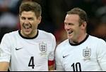 Tiet lo: Rooney uong ruou nhu dien, Gerrard coi tran nhay nhot
