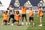 Gareth Bale lai lam tro trong buoi tap cua Real Madrid
