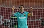 Barca dai thang ngay tro lai, Messi lap ky luc moi
