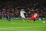 Bat ngo: Ansu Fati xuat sac hon ca Messi