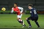 Cựu cầu thủ Arsenal hầu tòa vì xâm hại bé gái 14 tuổi