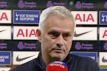 Vuot ai West Ham, HLV Mourinho het loi khen ngoi mot cai ten