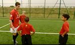 VIDEO: Ky uc Ronaldo truyen bi kip cho Lingard khien fan MU thich thu