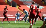 Diem nhan Liverpool 1-1 Burnley: Cuu thua xuat sac, Anfield sup do