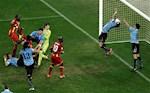 Ngay nay nam xua: Luis Suares choi bong chuyen tho thien dua Uruguay vao ban ket World Cup