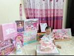 Quế Ngọc Hải lầy lội úp bánh sinh nhật vào mặt con gái