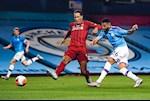 Van may cua Liverpool: Mahrez bi dong doi cuop mat sieu pham