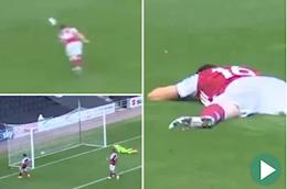 Video sao Arsenal phan luoi nha kho tin truoc MK Dons
